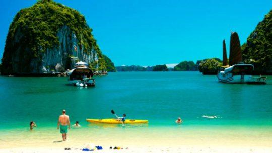 La baie d'Halong, plongée dans un lieu mythique