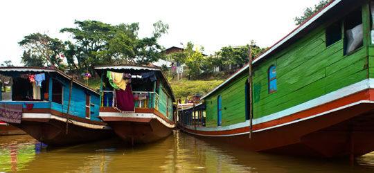 Un bébé est né sur ma croisière en bateau lent au Laos