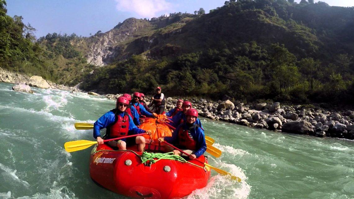 Rafting en eau vive sur le Kali Gandaki avec Paddle Népal.